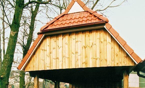 Carport aus Holz mit Geräteraum von SCHNOOR