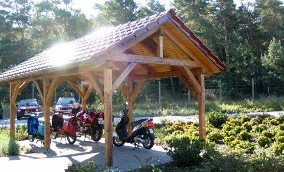 Carport aus Holz mit Satteldach 2