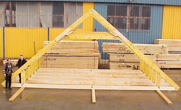 Dach und Decke in einem Element als Studiobinder mit Balkenlage