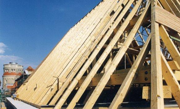 Dachkonstruktion für Gymnasium in Köln