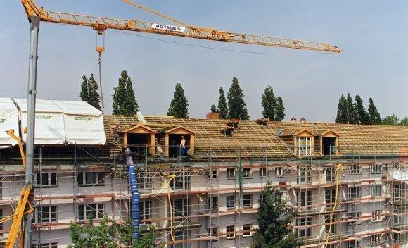 Dachsanierung – Rückbau und Aufstockung in Berlin Adlershof 1