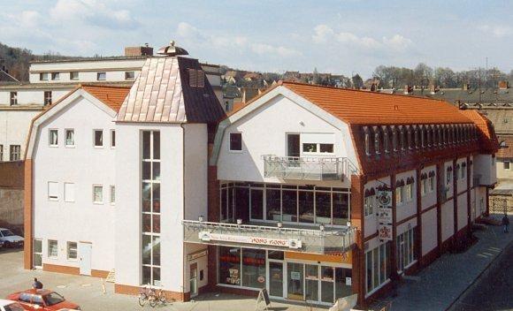 Einkaufszentrum in Altenburg mit Mansarddach