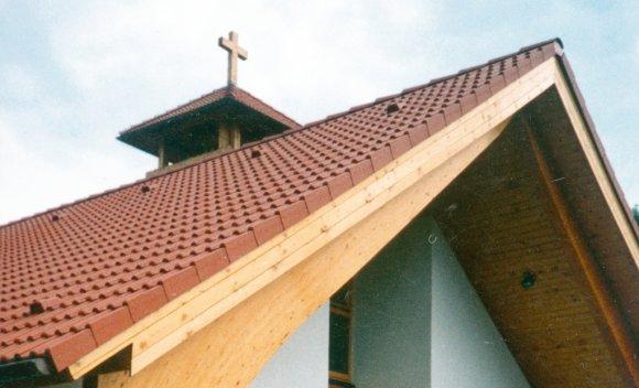 Dachkonstruktion mit Satteldach von SCHNOOR für ein Kirchenschiff in Eisenhüttenstadt