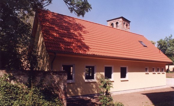 Dachkonstruktion mit Satteldach von SCHNOOR für eine kirchliche Begegnungsstätte in Bergzow
