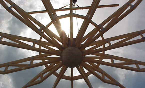 Montage des Dachs für das SCHNOOR-Kundencenter in Burg 1