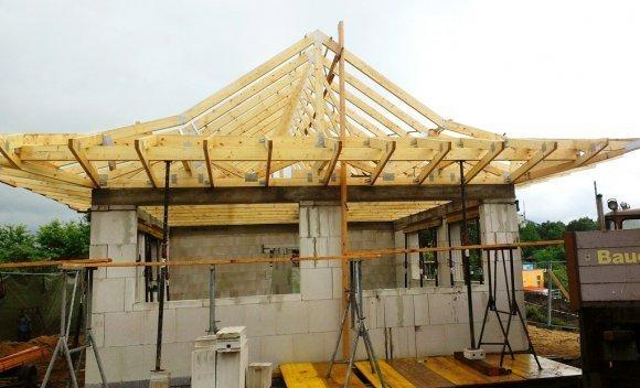 Dachkonstruktion mit Pagodendach (Sauna) in Kaltenkirchen 1