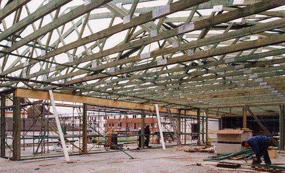 Verbrauchermarkt in Bremen – Nagelplattenbinder Dachkonstruktion
