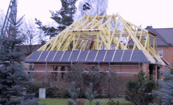 Dachkonstruktion mit Walmdach von SCHNOOR