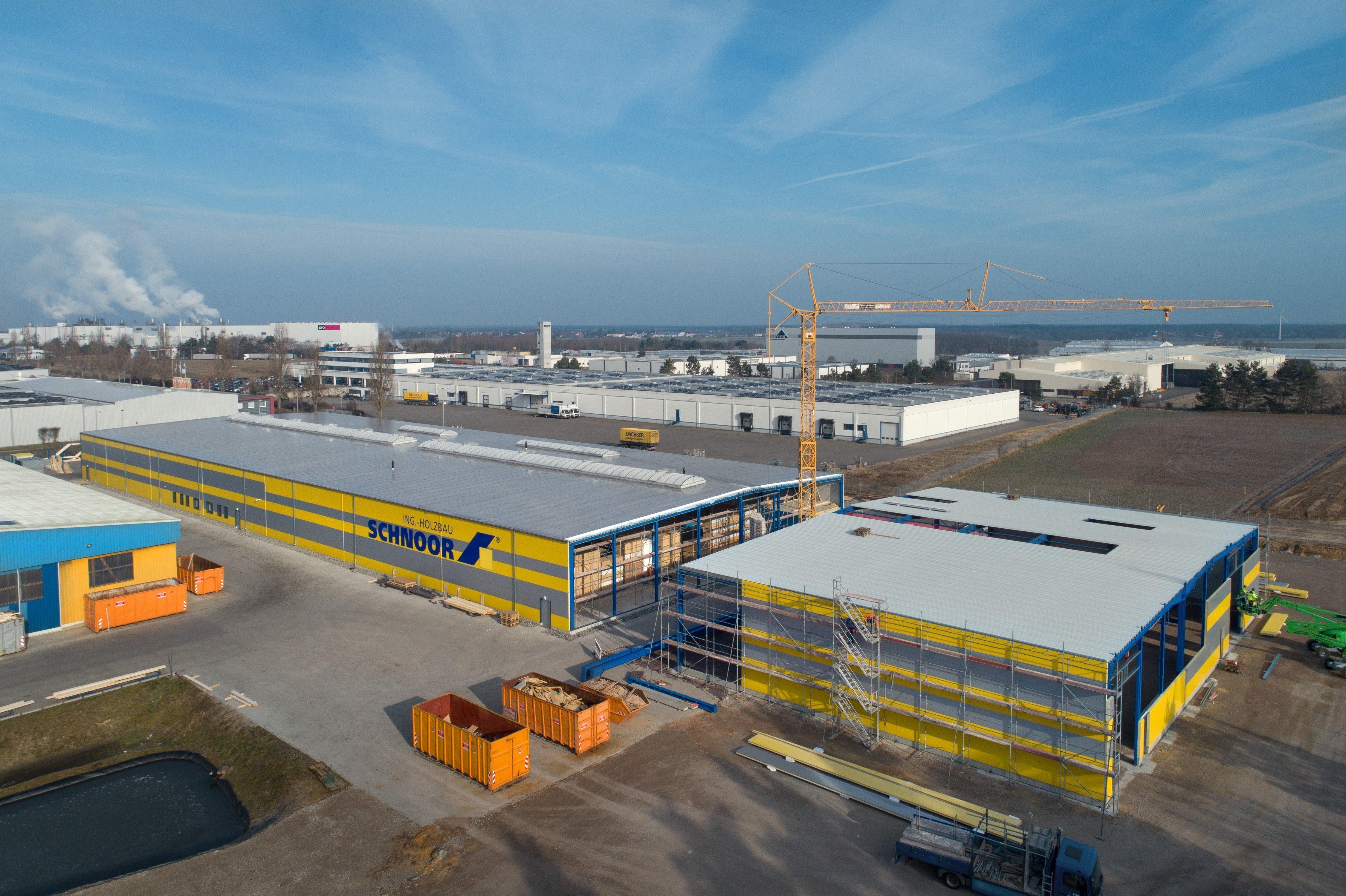 Halle 5+ von SCHNOOR mit neuer Anlage von Weinmann